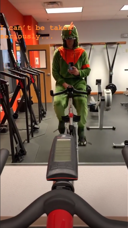 MLB player Mitch Garver working out in his Halloween costume (MLB.com)