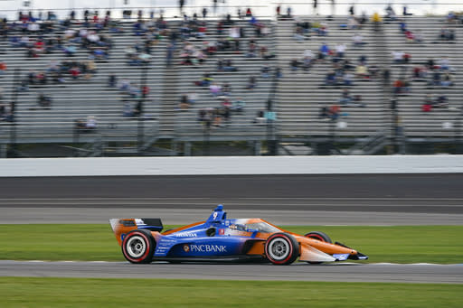 IndyCar extends deal with manufacturers, delays new engine