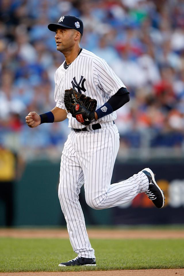 KANSAS CITY, MO - JULY 10:  American League All-Star Derek Jeter #2 of the New York Yankees runs back to the dugout after the first inning during the 83rd MLB All-Star Game at Kauffman Stadium on July 10, 2012 in Kansas City, Missouri.  (Photo by Jamie Squire/Getty Images)