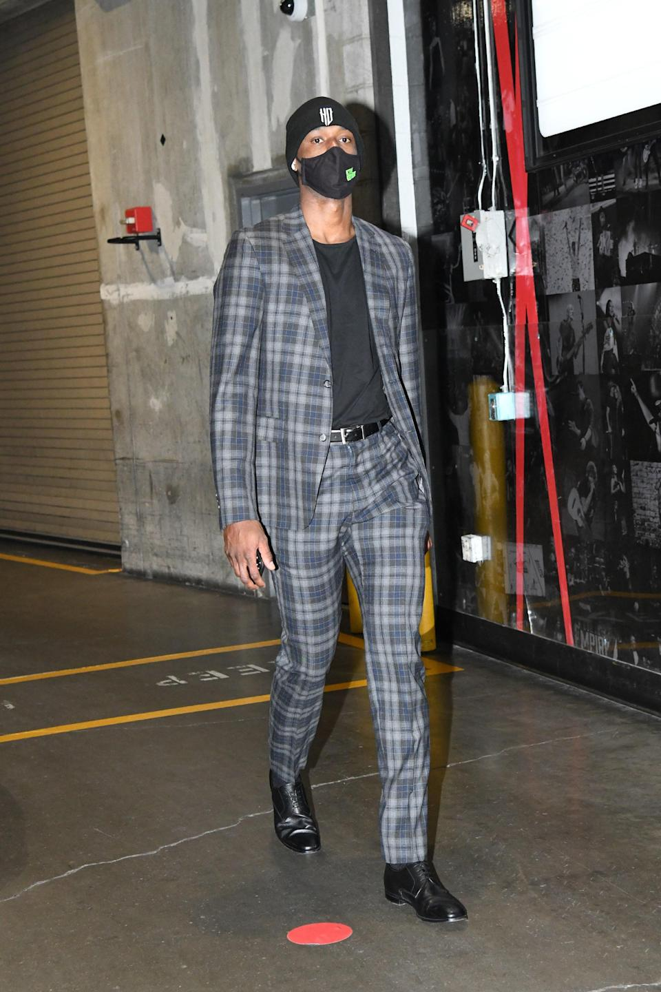 Harrison Barnes of the Sacramento Kings arrives for a game against the Clippers in Los Angeles, January 20, 2021.