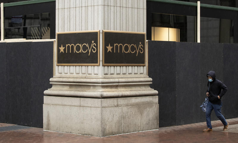 Macy's swings to loss in second quarter but tops estimates