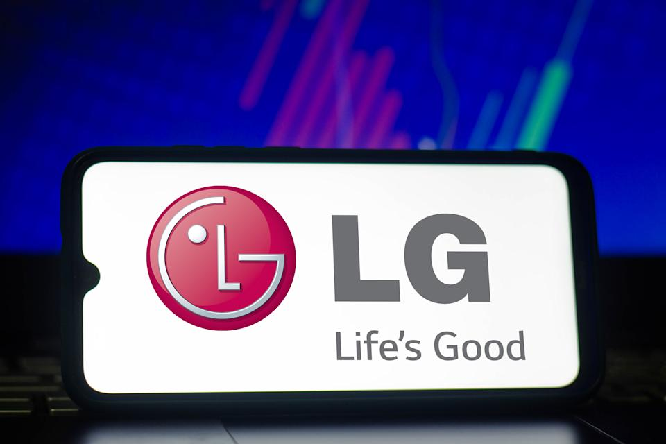 BRAZIL - 2021/03/24: In this photo illustration a LG logo seen displayed on a smartphone. (Photo Illustration by Rafael Henrique/SOPA Images/LightRocket via Getty Images)