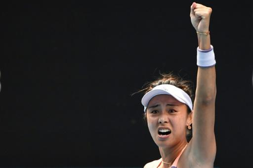 China's Wang Qiang beat Serena Williams for the first time