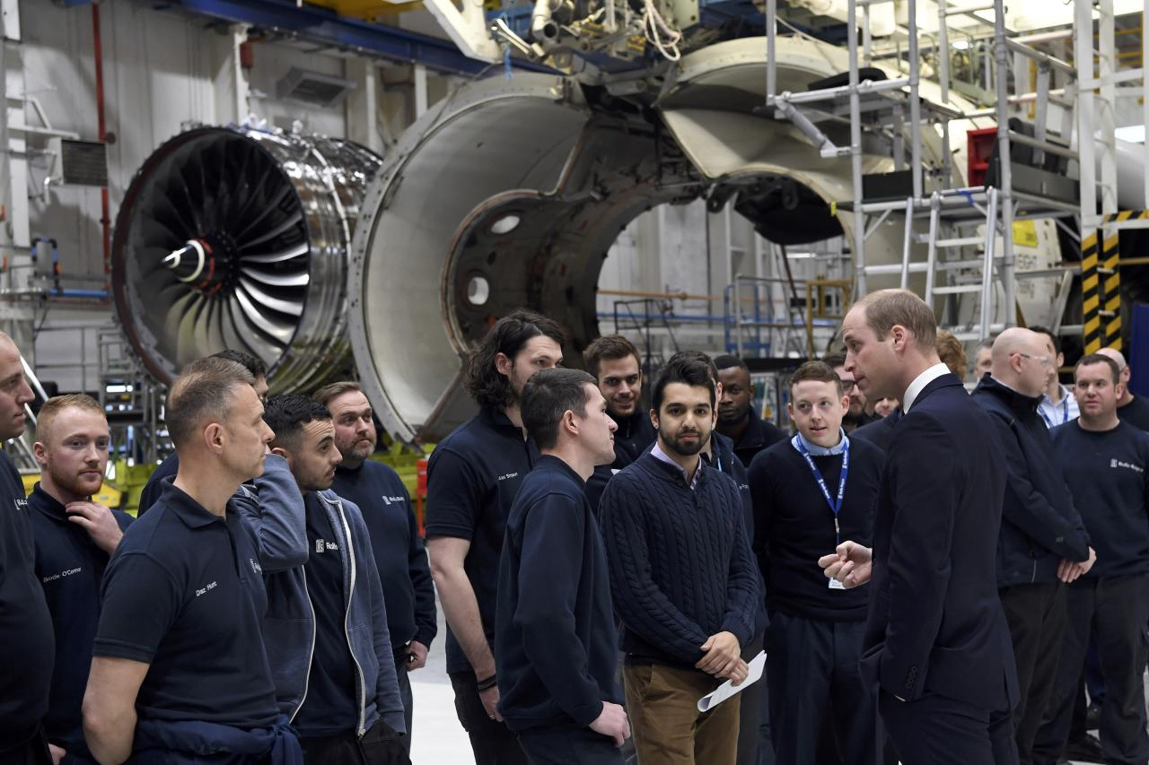 Britain's Prince William, meets apprentices during a visit to the Rolls Royce factory in Derby, November 30, 2016. REUTERS/Paul Ellis/Pool