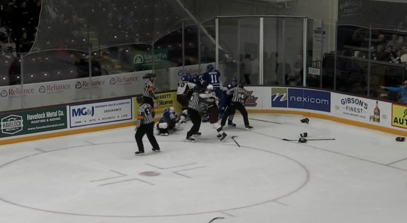 After a silky shorthanded goal by Nick Robertson made it 7-2 midway through the third period, quite the line brawl broke out between the Peterborough Petes and Mississauga Steelheads on Saturday night.
