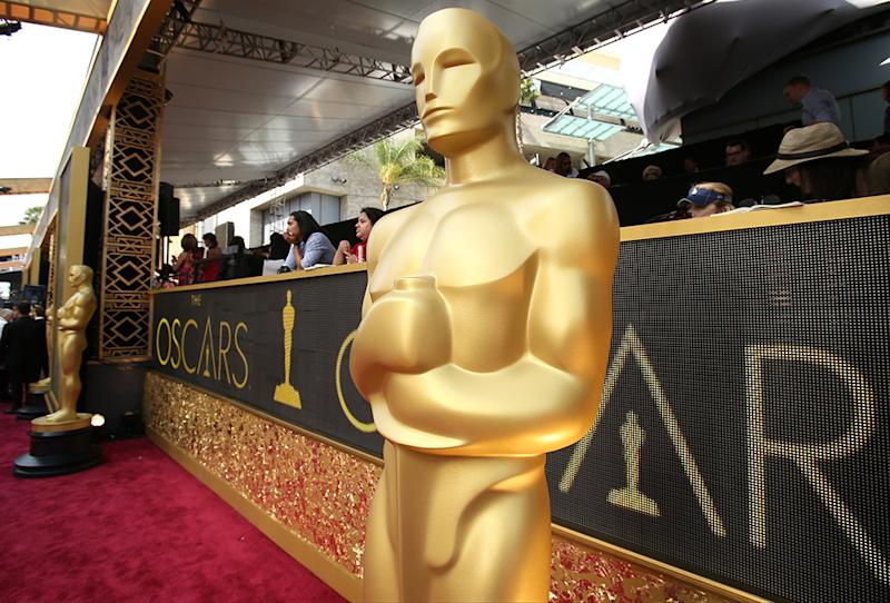 HOLLYWOOD, CA - FEBRUARY 28: The Oscar statue at the 88th Annual Academy Awards at Hollywood & Highland Center on February 28, 2016 in Hollywood, California. (Photo by Dan MacMedan/WireImage)