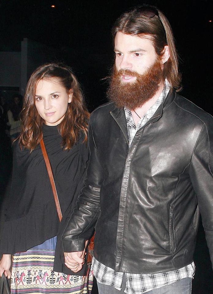 """""""She's All That"""" star Rachel Leigh Cook and her bearded beau, hubby Daniel Gillies, make a quick exit following the sold-out show. <a href=""""http://www.x17online.com"""" target=""""new"""">X17 Online</a> - July 12, 2009"""