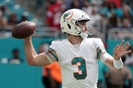 Reports: Dolphins reverse course, Rosen to start Sunday