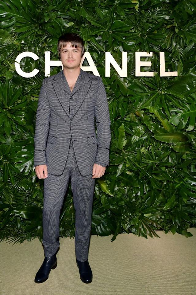 <p>RIP Steve Harrington's mullet. <em>Stranger Things </em>star Joe Keery showed off a brand new bowl cut during New York Fashion Week and fans are totally freaking out over his new look. While filming for <em>Stranger Things </em>season 4 hasn't started yet, this haircut is completely different than anything fans have seen since he broke out in the scene in 2016. So will he stick with it for season 4? Guess we'll have to wait and see. <em></em></p>