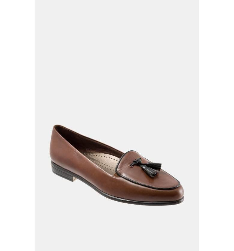 "<a href=""http://shop.nordstrom.com/s/trotters-leana-flat/3305137?origin=category-personalizedsort&fashioncolor=NAVY%2F%20WHITE"" target=""_blank"">Shop them here</a>."