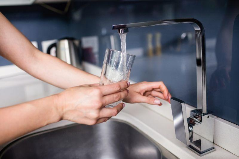 Experts warn tap water could add years to your appearance. Photo: Getty