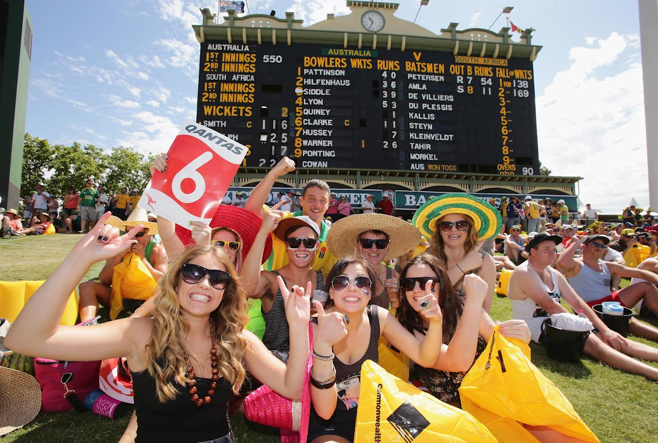 ADELAIDE, AUSTRALIA - NOVEMBER 24:  Fans in the crowd enjoy the atmosphere during day three of the Second Test Match between Australia and South Africa at Adelaide Oval on November 24, 2012 in Adelaide, Australia.  (Photo by Scott Barbour/Getty Images)