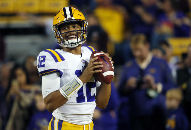 """LSU quarterback <a class=""""link rapid-noclick-resp"""" href=""""/ncaaf/players/250953/"""" data-ylk=""""slk:Justin McMillan"""">Justin McMillan</a> warms up before an NCAA college football game against Texas A&M in Baton Rouge, La., Saturday, Nov. 25, 2017. (AP Photo)"""