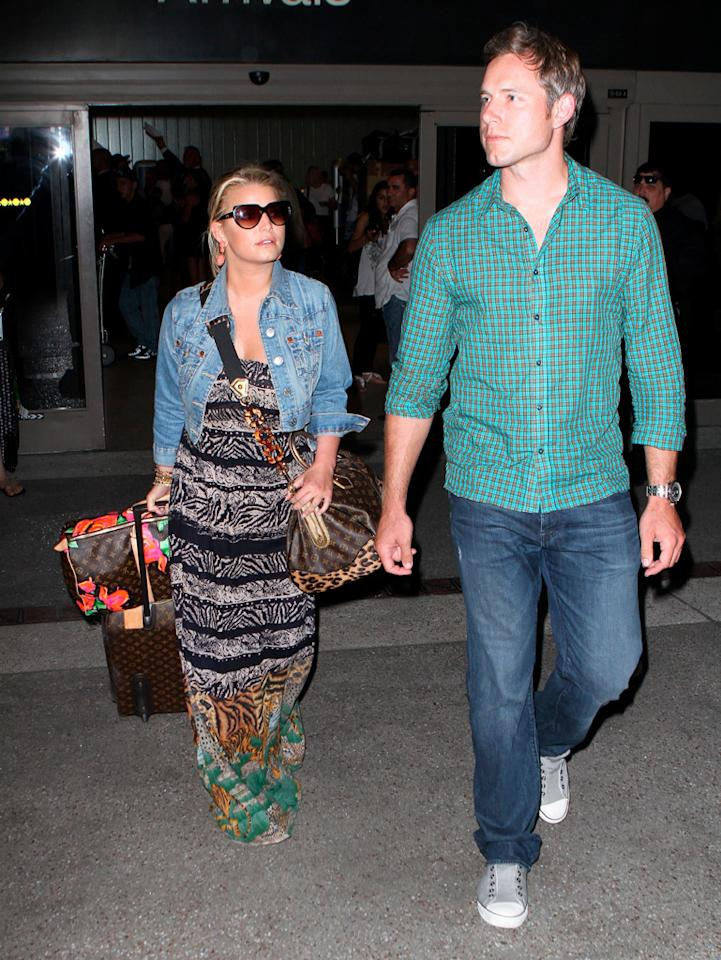 """<a href=""""http://www.gossipcop.com/jessica-simpson-eric-johnson-using-her-perez-hilton-star-magazine/"""" target=""""new"""">Gossip Cop</a> found out the truth about multiple claims that Jessica Simpson's new boyfriend, Eric Johnson, is """"just using her."""" Check out our shocking revelation. Ice/<a href=""""http://www.x17online.com"""" target=""""new"""">X17 Online</a> - July 14, 2010"""