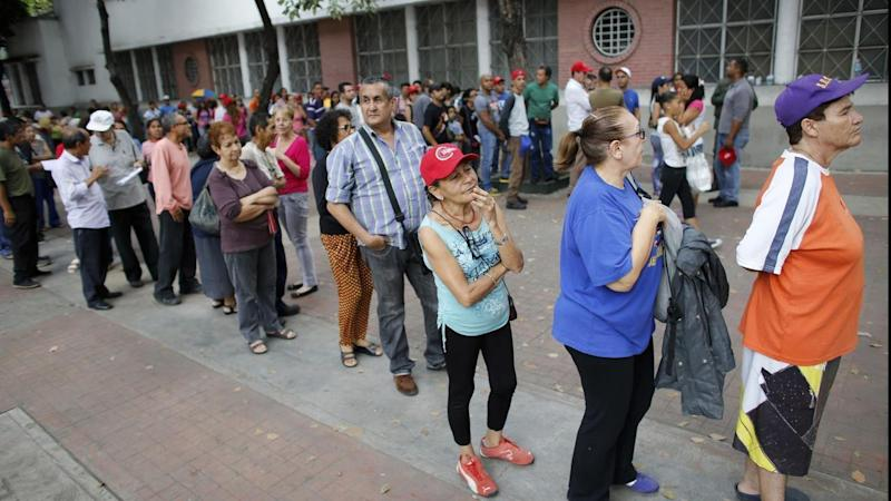 Deadly violence erupts at Venezuela vote