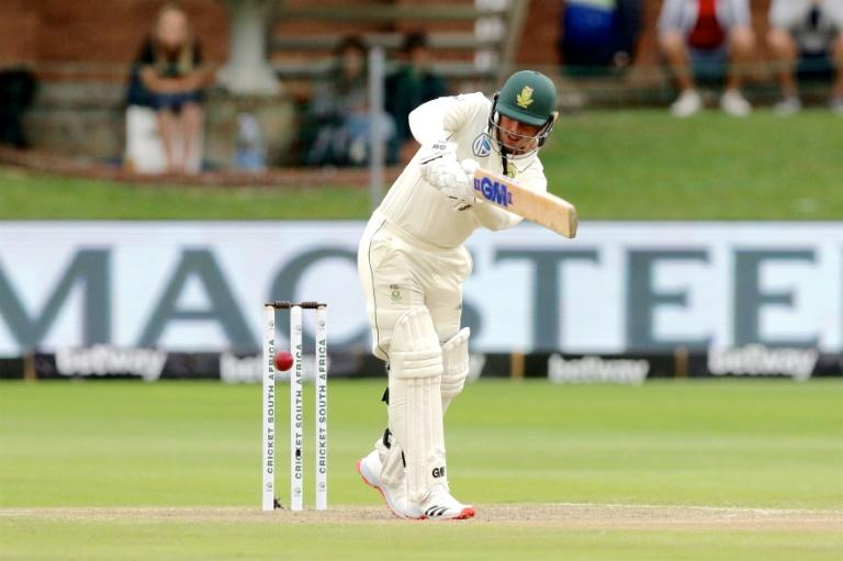 Quinton de Kock led South Africa's resistance and finished the day on 63 not out