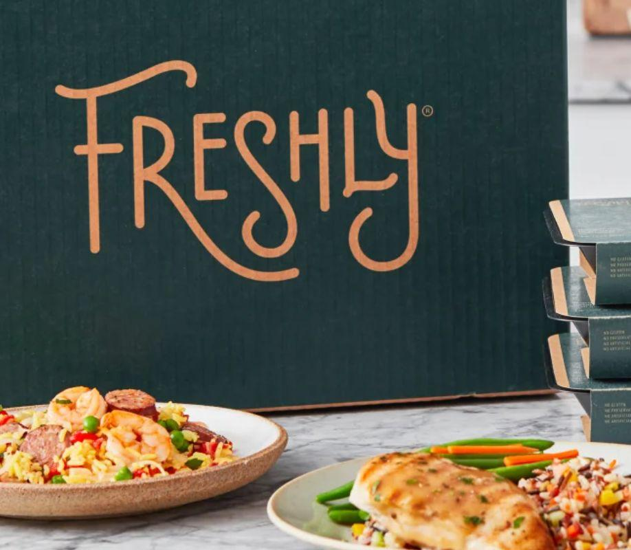 """With <a href=""""https://fave.co/2WPenst"""" target=""""_blank"""" rel=""""noopener noreferrer"""">Freshly's membership</a>, you can choose to have anywhere from four to 12 meals delivered weekly. The cost per meal can range from $8 to $12, depending on the plan. The <a href=""""https://fave.co/2WPenst"""" target=""""_blank"""" rel=""""noopener noreferrer"""">meals</a> are meant for just one person and can be prepared in minutes, too. <a href=""""https://www.huffpost.com/entry/freshly-review-worth-the-money_l_5dd4a447e4b0e29d727b91bf"""" target=""""_blank"""" rel=""""noopener noreferrer"""">We previously reviewed Freshly</a> and found it to be a good meal option busy folks who don't have the headspace for cooking and clean up.<br /><br />Check out <a href=""""https://fave.co/2WPenst"""" target=""""_blank"""" rel=""""noopener noreferrer"""">Freshly's menu and plans</a>."""