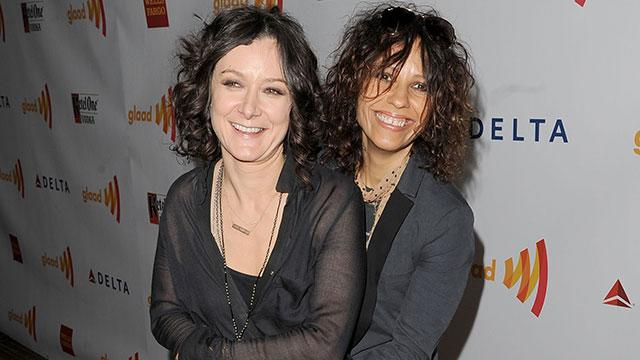 Sara Gilbert & Linda Perry Tie the Knot!