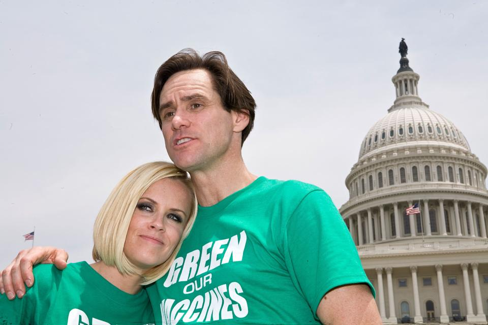 Jenny McCarthy and Jim Carrey led the Green Our Vaccines rally. [Photo: Getty]