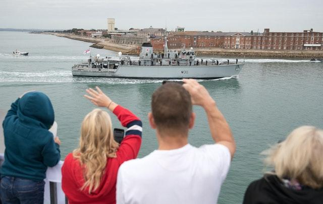 HMS Ledbury homecoming