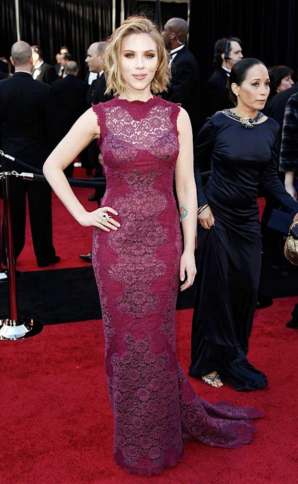 """<a href=""""http://movies.yahoo.com/movie/contributor/1800022348"""">Scarlett Johansson</a> arrives at the 83rd Annual Academy Awards held at the Kodak Theatre on February 27, 2011 in Hollywood, California."""