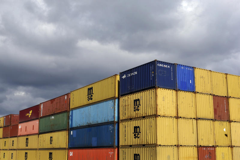 US wholesale stockpiles up 0.4 percent in March