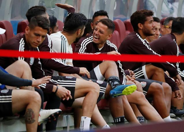 Soccer Football - World Cup - Mexico Training - Luzhniki Stadium, Moscow, Russia - June 16, 2018 Mexico's Javier Hernandez with team mates during training REUTERS/Grigory Dukor
