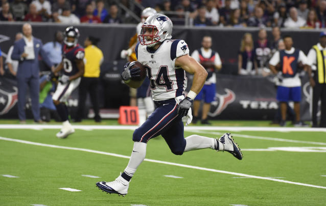 "New England's backfield hierarchy is a mystery at the moment, but <a class=""link rapid-noclick-resp"" href=""/nfl/players/26813/"" data-ylk=""slk:Rex Burkhead"">Rex Burkhead</a> is a near-lock to play plenty of snaps. He needs to be owned in fantasy leagues of standard size. (AP Photo/Eric Christian Smith)"