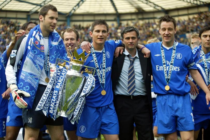 Petr Cech, Frank Lampard, Jose Mourinho and John Terry at Chelsea with the Premier League trophy