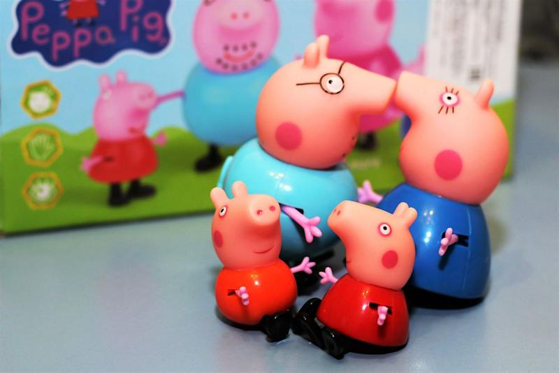 Peachy Peppa Pig Has Some American Kids Speaking With British Accents Ocoug Best Dining Table And Chair Ideas Images Ocougorg