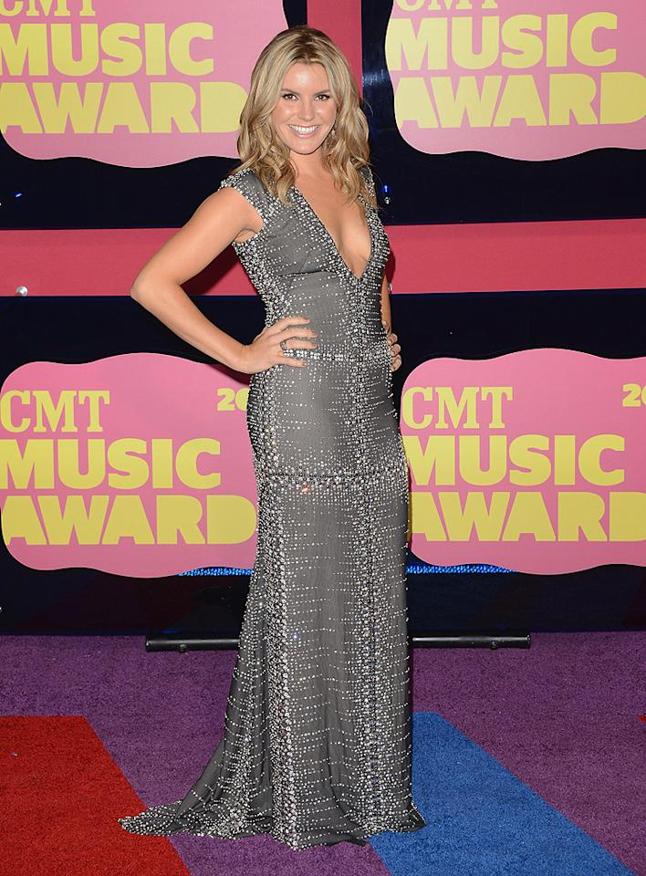 Singer/songwriter Grace Potter (of Grace Potter and the Nocturnals fame) looked sexier than ever in a plunging, beaded gown and bright smile.