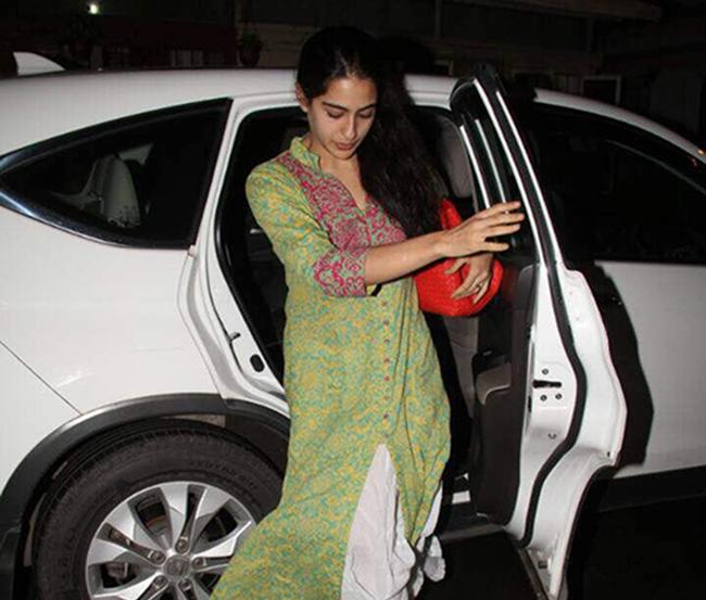 A blue Jeep Compass has recently made its way into Sara's garage, something which is not a surprise considering her dad, Saif Ali Khan, is also a Jeep fan. Sara also uses a Honda CR-V as her everyday car.