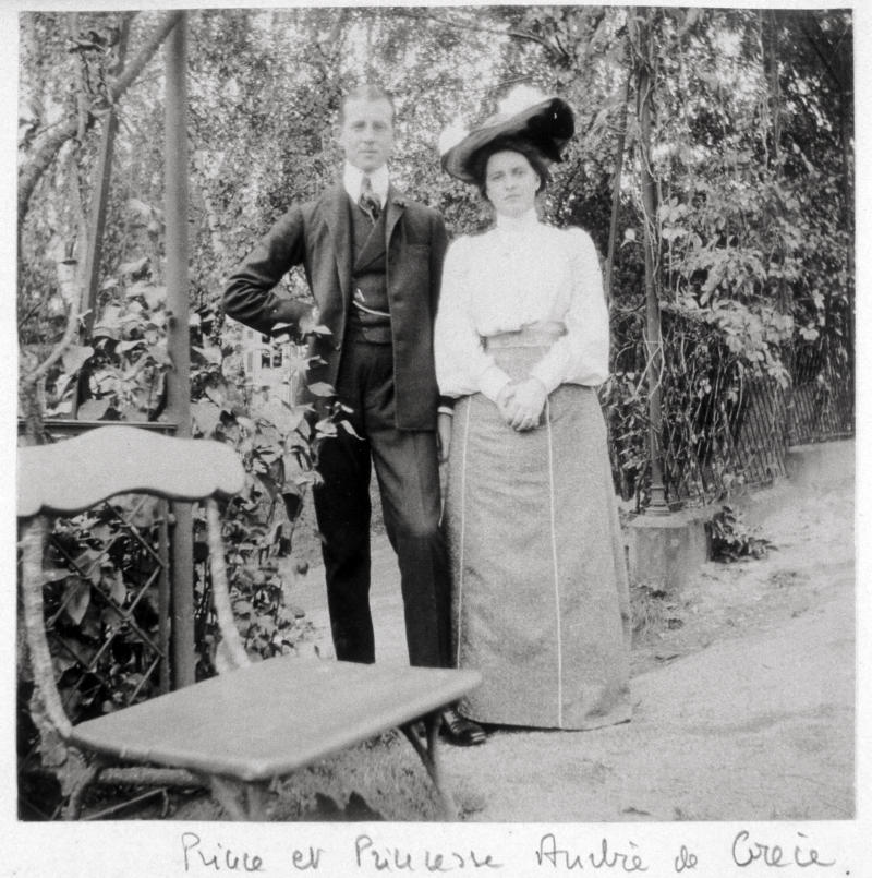 Prince and Princess Andrew of Greece, Prince Andrew of Greece, (1882-1944), Princess Alice of Greece, née Princess of Battenberg, 1885-1969, Mariés à Darmstadt en 1903. (Photo by: Photo12/Universal Images Group via Getty Images)