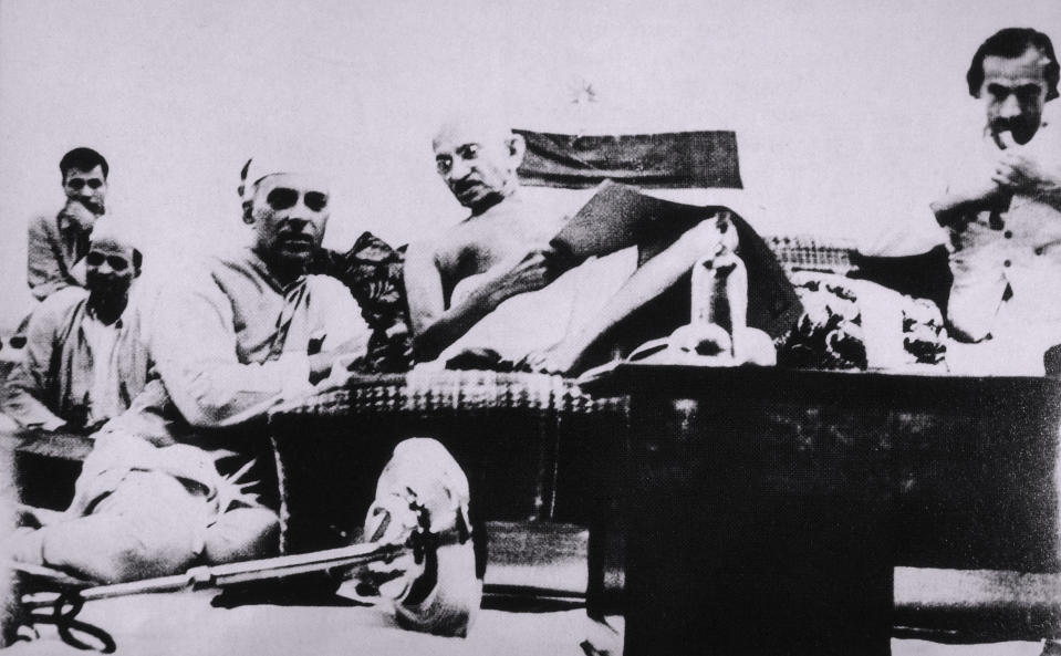 Mahatma Gandhi and Jawaharlal Nehru During Protest, Mumbai, India, July 8, 1942. (Photo by: Universal History Archive/Universal Images Group via Getty Images)
