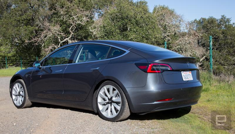 Tesla pauses Model 3 production again
