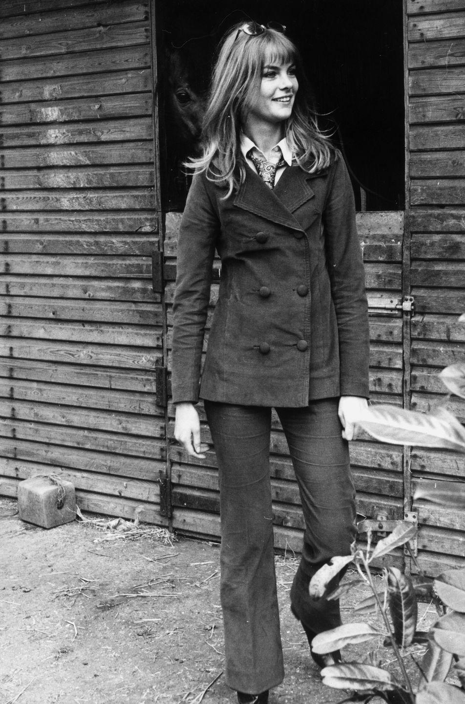 <p>Model Jean Shrimpton keeps the bootcut look going strong.</p>