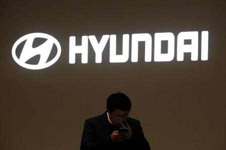 Hyundai workers OK smaller bonuses, no strike as Japan dispute weighs
