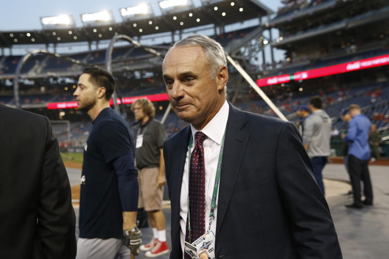 Manfred: 'No reason to believe' sign-stealing scandal goes beyond Astros