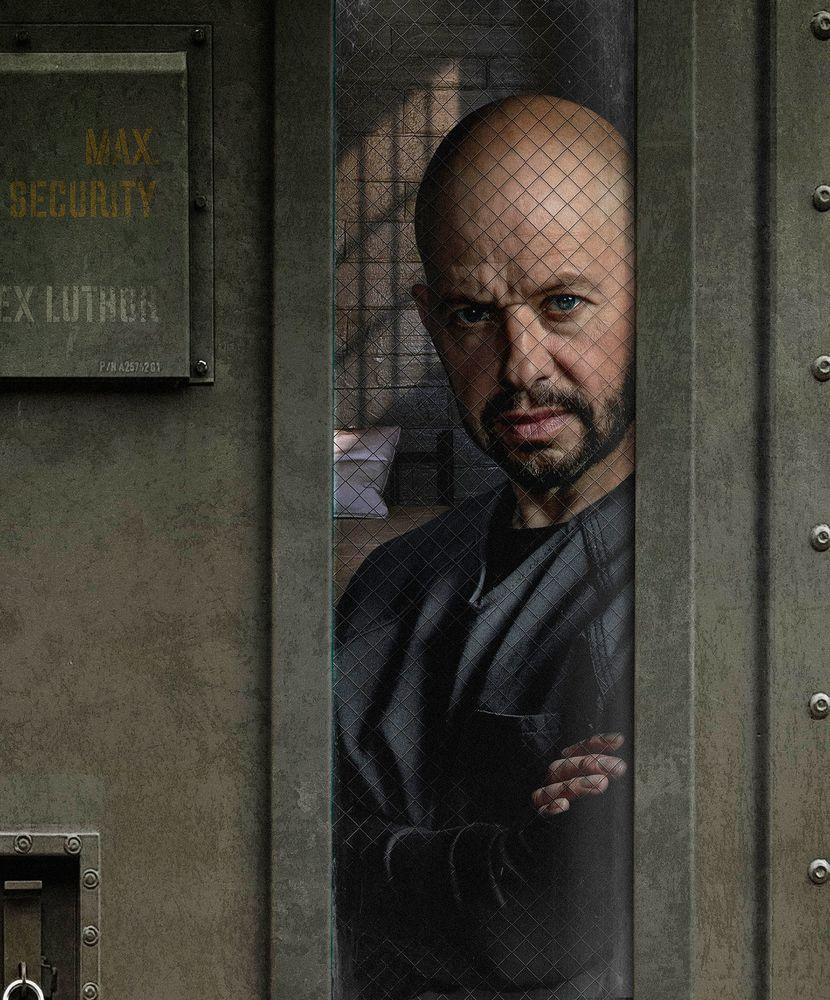 Supergirl reveals first look at Jon Cryer's Lex Luthor