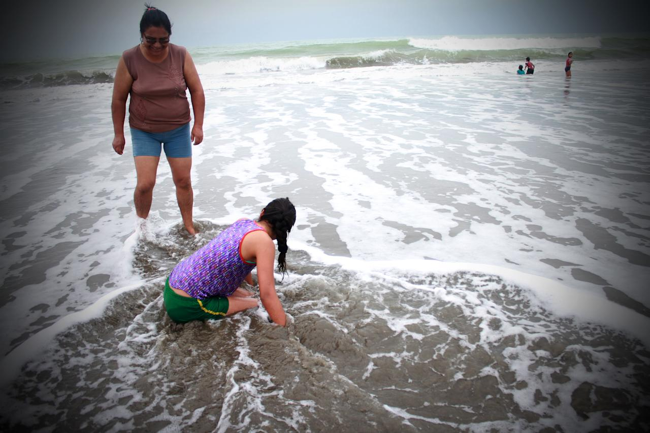 <p>After almost 2 years of the devastating earthquake that struck the Ecuadorian coasts the people of the Pedernales beach, Ecuador, on 21 January 2018 do not lose the strength nor the faith to continue. (Photo by Rafael Rodriguez/NurPhoto via Getty Images) </p>