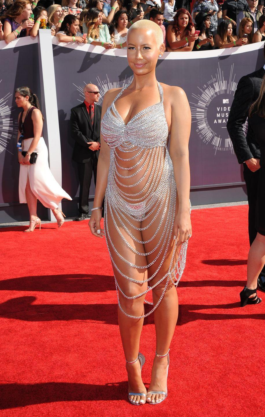 <p>At the 2014 Video Music Awards, Amber Rose tried her best to out-naked everyone else.</p>