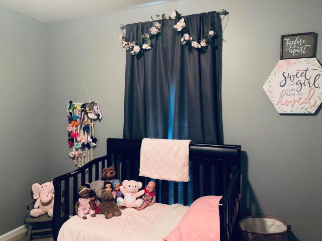 Ivy and Noah Cleveland have a pink bedroom waiting for their adoptive daughter Ruby, 3, who remains in China amid the coronavirus outbreak. (Photo: Courtesy of Ivy Cleveland)