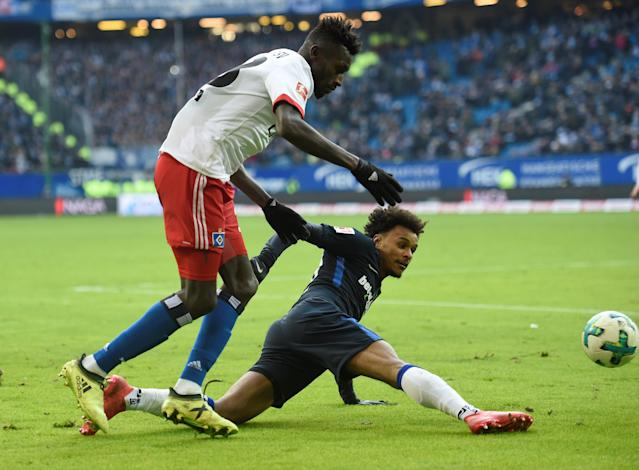 Soccer Football - Bundesliga - Hamburger SV vs Hertha BSC - Volksparkstadion, Hamburg, Germany - March 17, 2018 Hertha Berlin's Valentino Lazaro in action with Hamburg's Bakery Jatta REUTERS/Fabian Bimmer DFL RULES TO LIMIT THE ONLINE USAGE DURING MATCH TIME TO 15 PICTURES PER GAME. IMAGE SEQUENCES TO SIMULATE VIDEO IS NOT ALLOWED AT ANY TIME. FOR FURTHER QUERIES PLEASE CONTACT DFL DIRECTLY AT + 49 69 650050