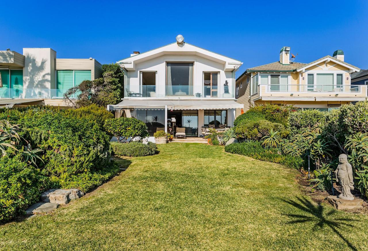 """<p>A two-story home that Frank Sinatra built on the beach in Malibu, California is on the market for the first time. The 5,800-square-foot house is where Sinatra and his fourth wife, Barbara, <a rel=""""nofollow"""" href=""""https://www.latimes.com/business/realestate/hot-property/la-fi-hotprop-frank-sinatra-20181128-story.html"""">regularly hosted</a> Hollywood stars like Jack Lemmon, Gregory Peck, and Dick Van Dyke. Scroll down for a look at the property, which is being offered for $12.9 million.    </p>"""
