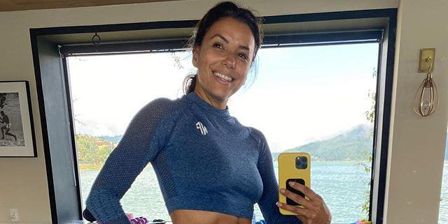 Eva Longoria Just Posted A Photo Showing Off Her Abs In The Cutest Workout Set
