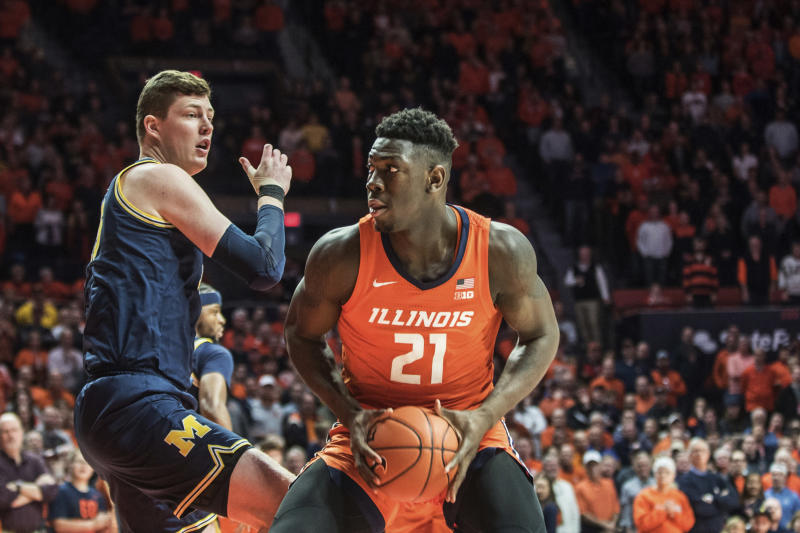 After drawing an and-one foul under the hoop, Illinois center Kofi Cockburn accidentally punched official Lewis Garrison square in the head on Wednesday.