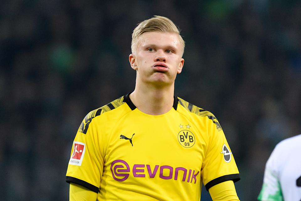 MOENCHENGLADBACH, GERMANY - MARCH 07: (BILD ZEITUNG OUT) Erling Haaland of Borussia Dortmund looks dejected during the Bundesliga match between Borussia Moenchengladbach and Borussia Dortmund at Borussia-Park on March 7, 2020 in Moenchengladbach, Germany. (Photo by Alex Gottschalk/DeFodi Images via Getty Images)
