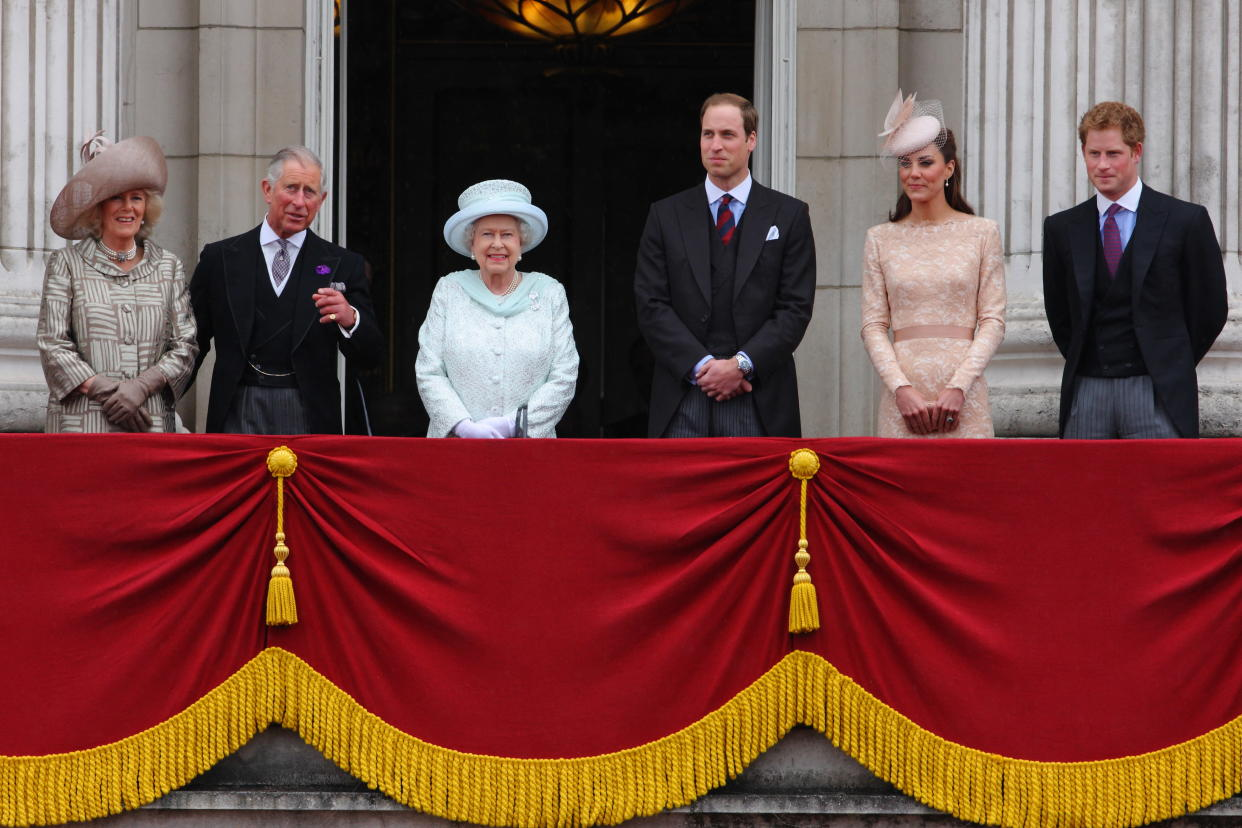 Queen Elizabeth II and the Royal family Prince Charles, William & Harry, with The Duchess of Cambridge (Kate) and Camilla, appear on the balcony of Buckingham Palace to commemorate the 60th anniversary of the accession of the Queen, London. 5 June 2012 --- Image by �� Paul Cunningham/Corbis (Photo by Paul Cunningham/Corbis via Getty Images)