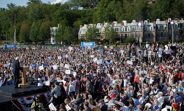 PHOTO: Sen. Bernie Sanders delivers remarks while announcing his candidacy for president at Waterfront Park, May 26, 2015 in Burlington, Vt. (Win Mcnamee/Getty Images, FILE)