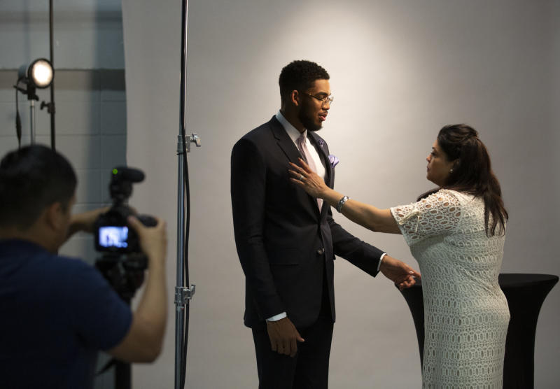 Jacqueline Towns with Karl-Anthony Towns in 2016. Jacqueline died due to complications from COVID-19 in April. (Photo by Brian Peterson/Star Tribune via Getty Images)